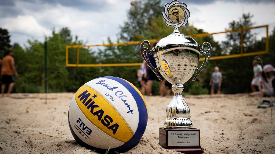 Sommer, Sonne, Beach-Volleyball